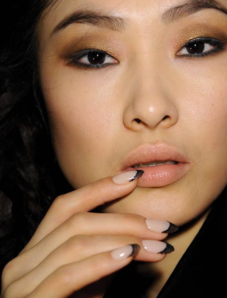 spring_summer_2013_nail_trends_french_manicure