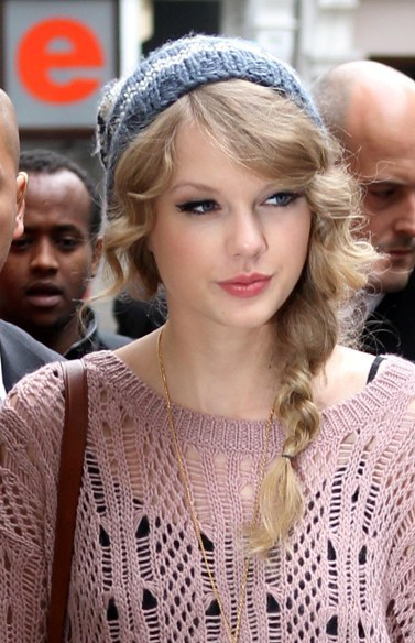 taylor_swift_hairstyle1_2_2