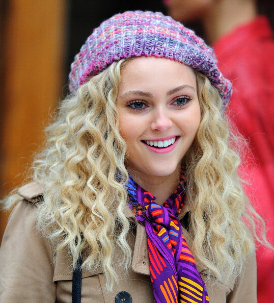 AnnaSophia Robb - On the set of  'The Carrie Diaries' in NYC - October 26, 2012 32