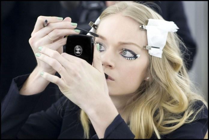 chanel jade nail varnish manicure london fashion week