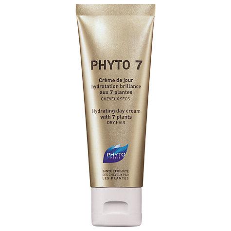 """ecco ad esempio una delle mie preferite, la celeberrima Phyto 7, una specie di """"crema da giorno"""" per i capelli secchi a base di ben sette piante diverse (esiste anche la 9 per chi soffre di forte disidratazione; entrambe dovrebbero costare sui 12 euro)."""