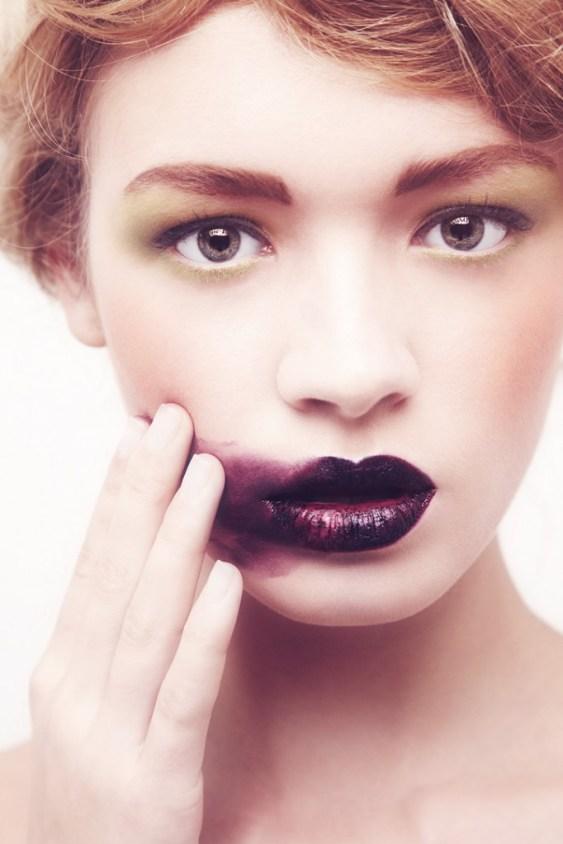 green-burgundy-makeup