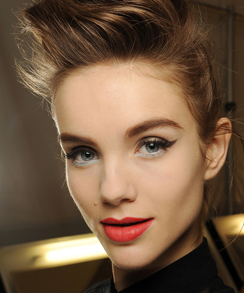 MAC-Fall-Winter-2013-Makeup-Trends-Look12