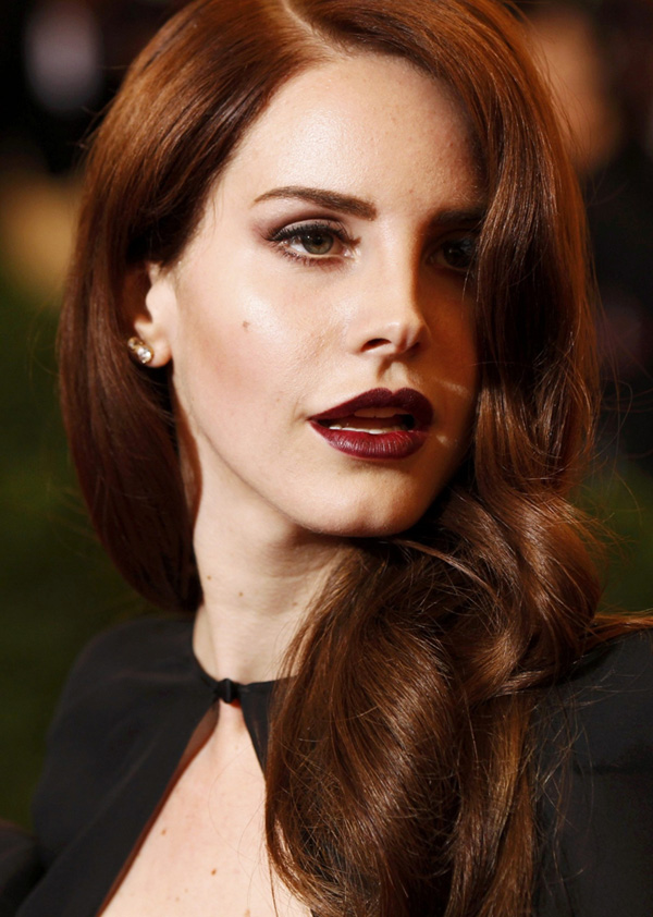 Lana-Del-Ray-MET-2012-Dark-lips