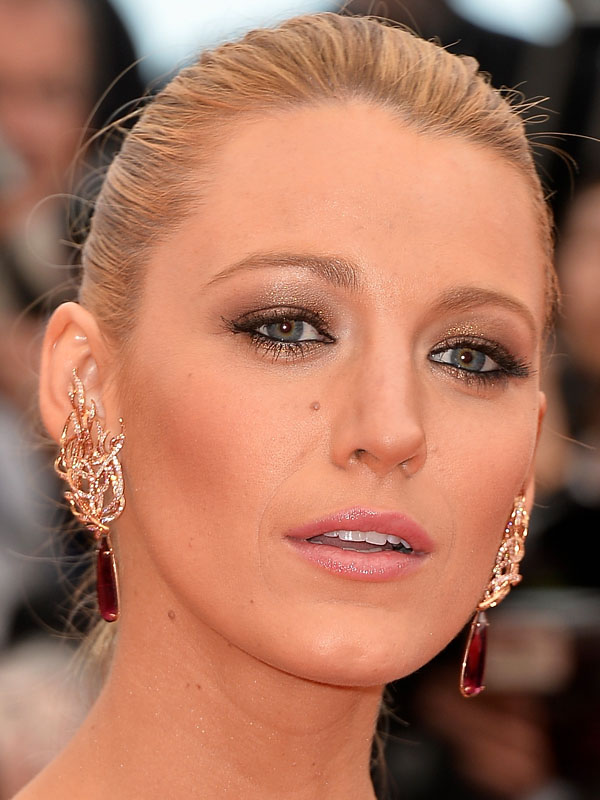 Clio_Blake-Lively-Grace-of-Monaco-screening-Cannes-2014