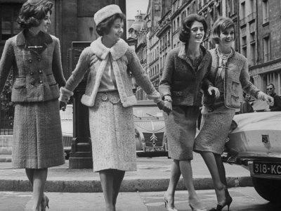 chanel-suit-1950s-fashion
