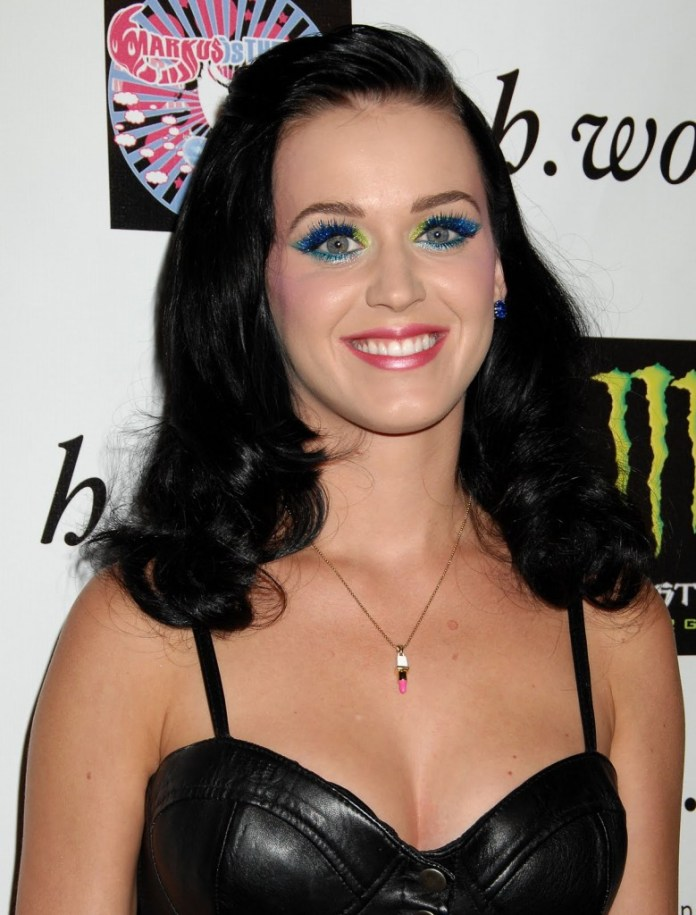 katy_perry_in_leather_018