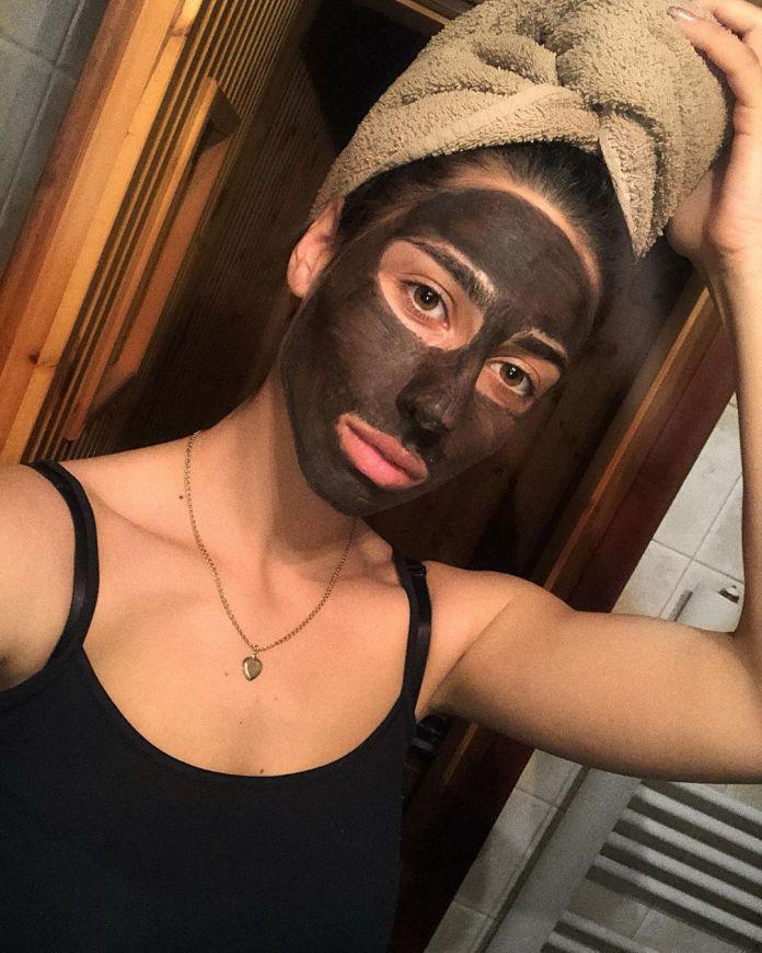 Cliomakeup-black-mask-punti-neri-15-maschera-intera