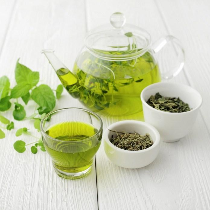 cliomakeup-psoriasi-dieta-alimenti-16-tè-verde.jpg