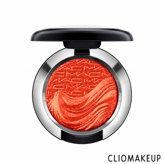 cliomakeup-recensione-ombretti-mac-extra-dimension-foil-eyeshadow-1