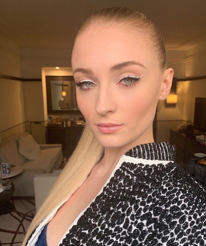 Cliomakeup-eyeliner-primavera-estate-2019-5-sophie-turner