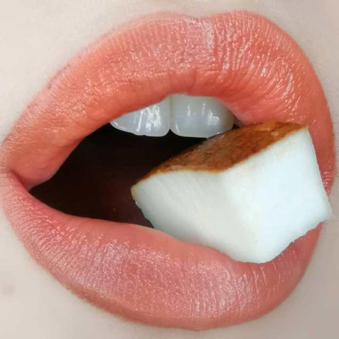 Cliomakeup-Lip-Balm&Glam-Mou-Mou-CoccoLove-ClioMakeUp-5-labbra