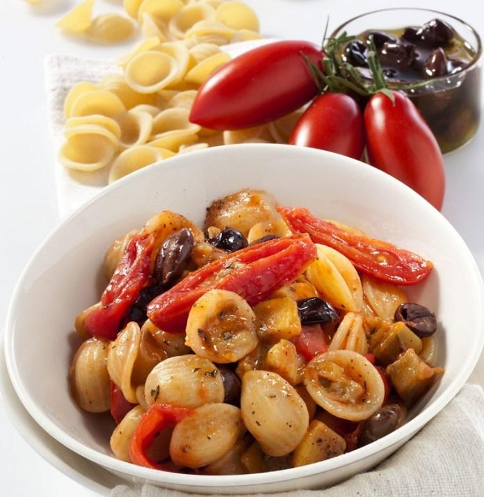 cliomakeup-dieta-mediterranea-dimagrire-menu-8-pasta-melanzane-pomodori