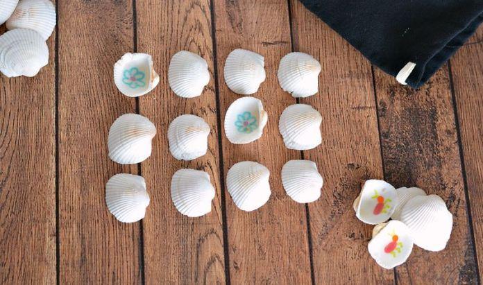 giochi da spiaggia: memory con le conchiglie