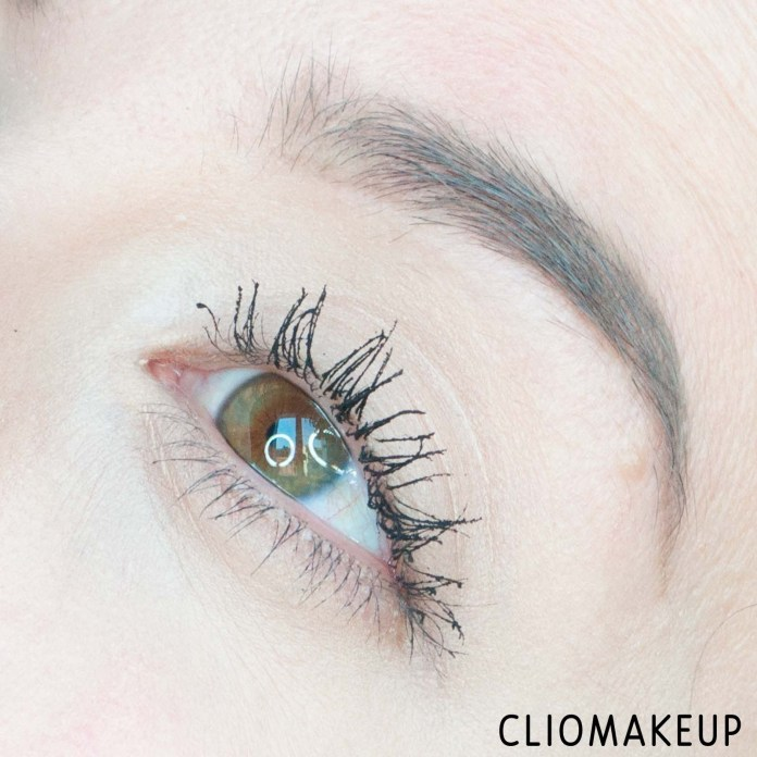 cliomakeup-recensione-mascara-deborah-24-ore-instant-maxi-volume-waterproof-mascara-15
