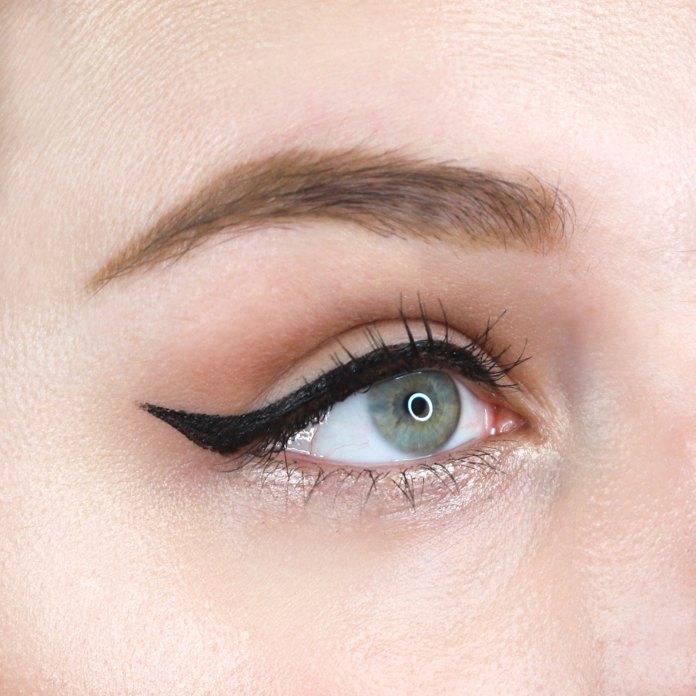 Cliomakeup-eyeliner-deeplove-15-linea-eyeliner-silvia