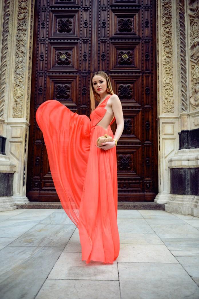 Cliomakeup-color-corallo-estate-1-tptal-look-vestito