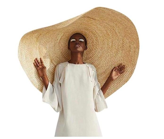 cliomakeup-cappelli-estate-2019-13-modello-oversize