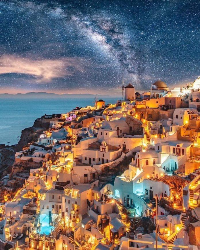 isole greche più belle: Oia a Santorini