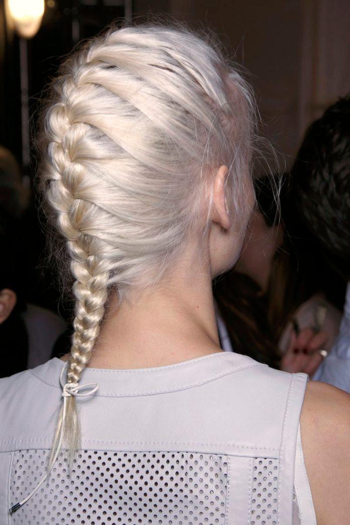 cliomakeup-capelli-perfetti-al-mattino-9-french-braid
