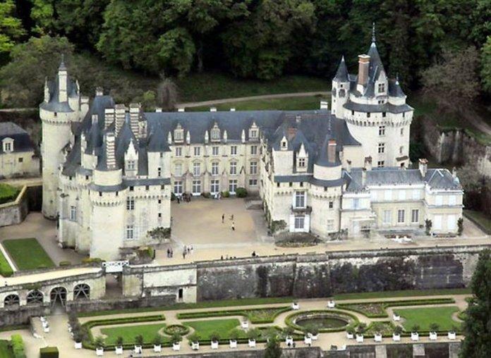 castelli della loira e francia: il castello di ussé ha ispirato Perrault per La Bella Addormentata