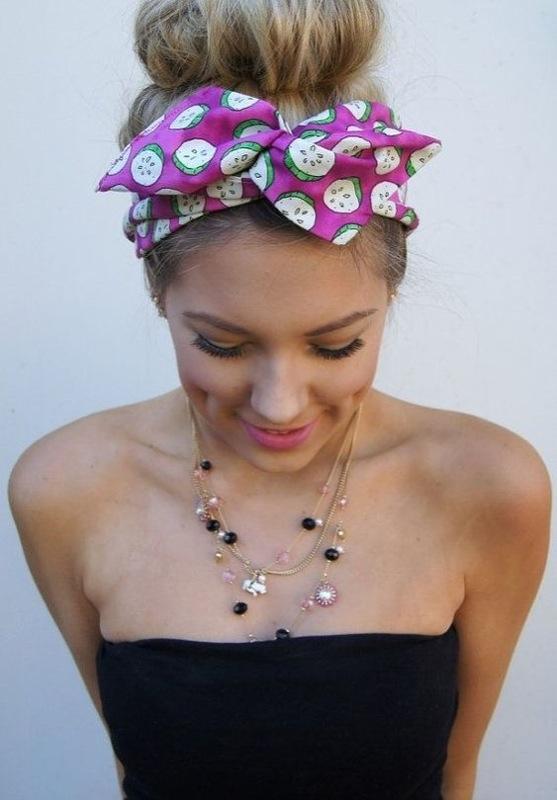cliomakeup-come-indossare-fascia-capelli-11-fiocco-rosa