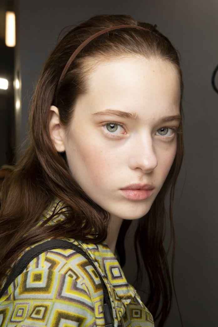 cliomakeup-trend-beauty-primavera-estate-2020-11-viso