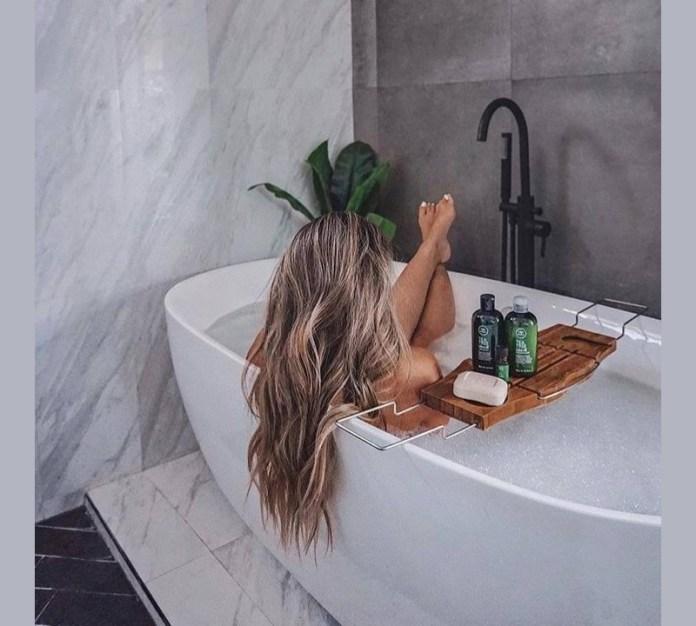 cliomakeup-shampoo-capelli-grassi18-teatree