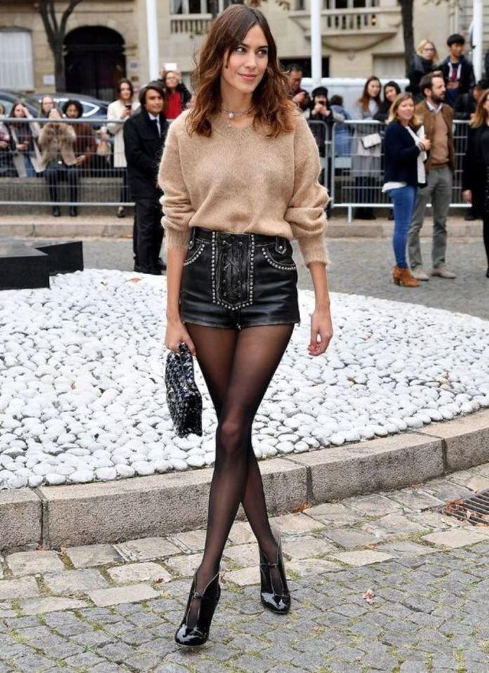 cliomakeup-come-indossare-shorts-inverno-12-alexa-chung