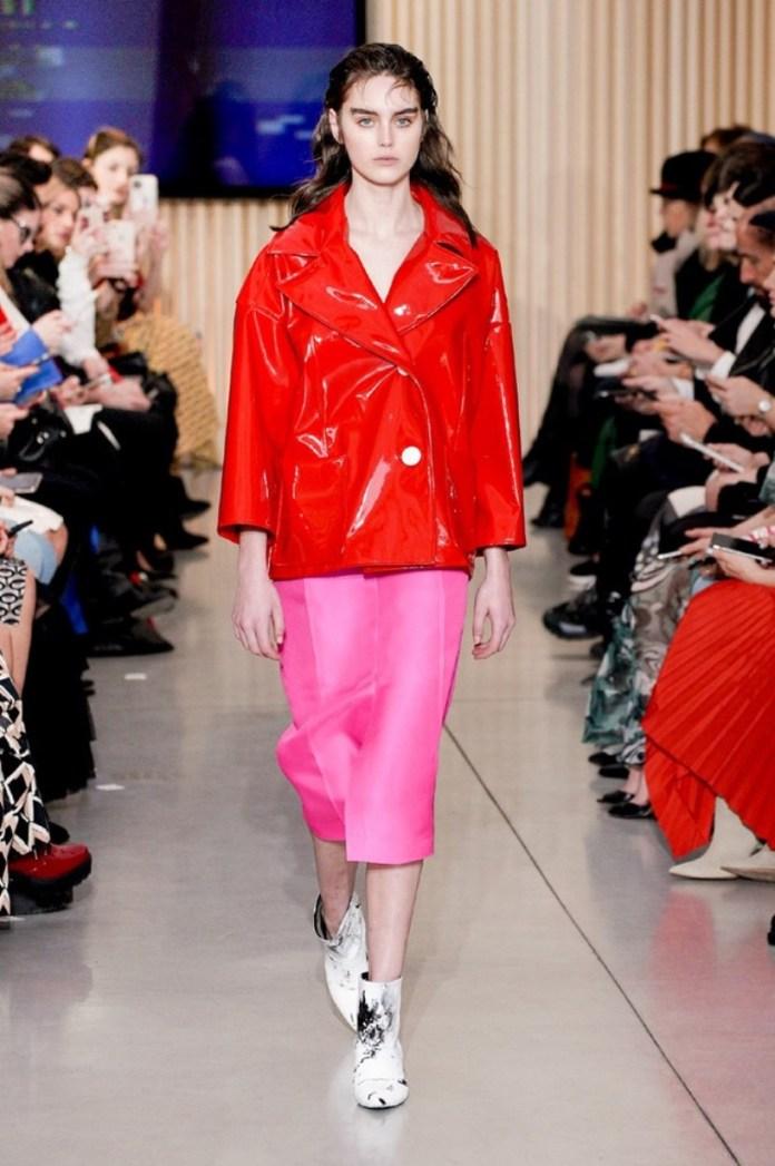 cliomakeup-tendenze-milano-fashion-week-febbraio-2020-3-giacca-vernice-calzolari