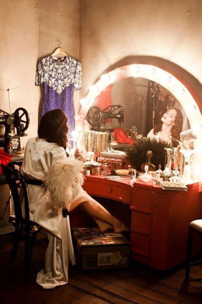 ClioMakeUp-frasi-belle-make-up-7-trucco-momento-cura.jpg