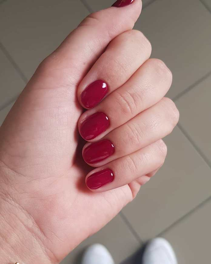 Cliomakeup-unghie-rosso-cherry-pie-2-glamstudio.olsztyn