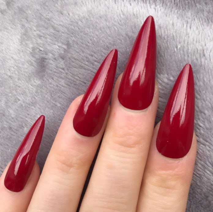 Cliomakeup-unghie-rosso-cherry-pie-9-doobysnails.com