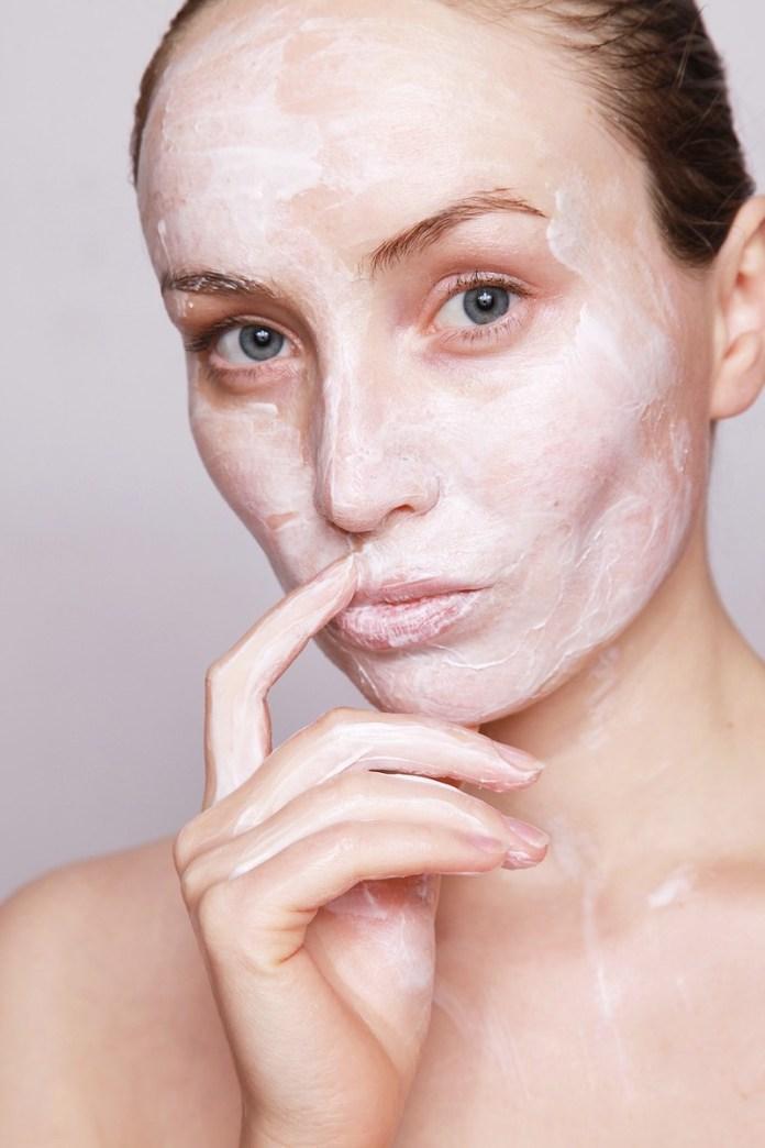 cliomakeup-maschera-idratante-viso-fai-da-te-5-yogurt