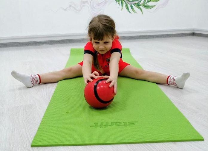 cliomakeup-come-fare-ginnastica-casa-bambini-10-tappeto