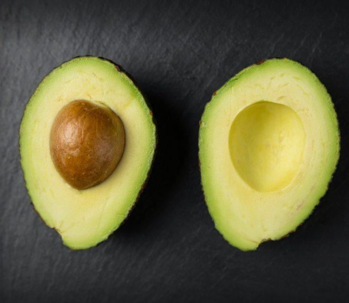 cliomakeup-maschera-capelli-secchi-teamclio-2-avocado