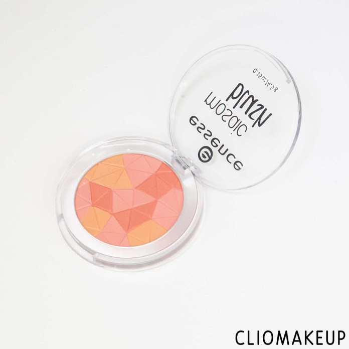 cliomakeup-recensione-blush-essence-mosaic-blush-4
