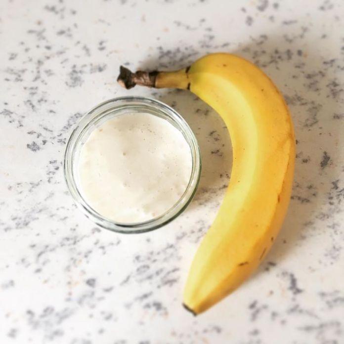 cliomakeup-maschera-viso-pelle-irritata-banana1