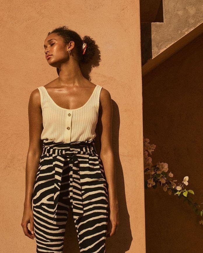 Cliomakeup-look-animalier-primavera-2020-15-hm-pantaloni-zebrati