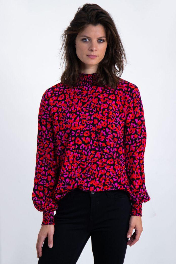 Cliomakeup-look-animalier-primavera-2020-2-camicia-colorata