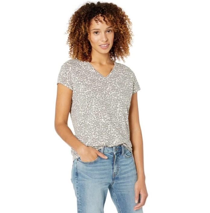 Cliomakeup-look-animalier-primavera-2020-7-t-shirt-basic