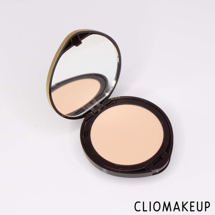 cliomakeup-recensione-fondotinta-compatto-deborah-newskin-fondotinta-compatto-polvere-4