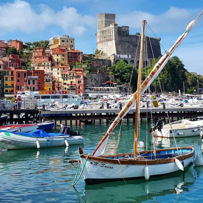 viaggio in barca a vela in italia: cinque terre