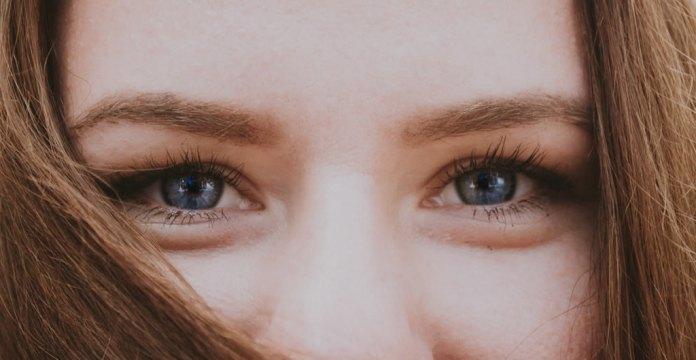 cliomakeup-mascara-trasparente-estate-19-occhi