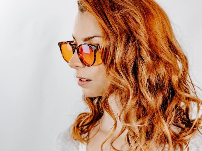 cliomakeup-occhiali-sole-lenti-colorate-7-arancione