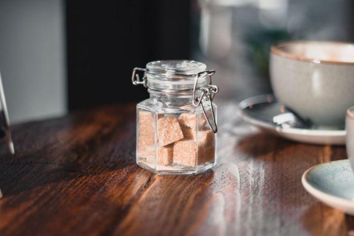 Cliomakeup-miele-zucchero-di-canna-e-zucchero-bianco-5-barattolo-vetro