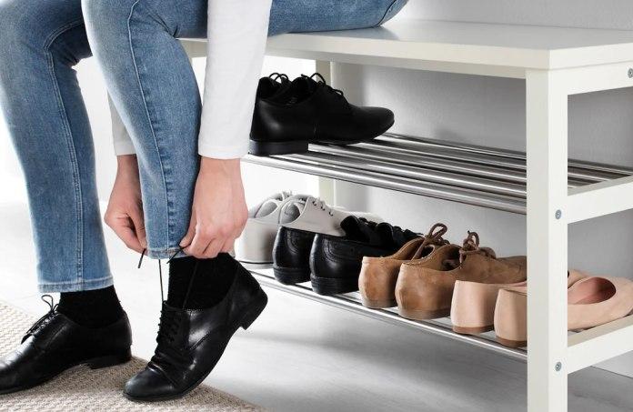 cliomakeup-togliere-scarpe-prima-entrare-casa-1-copertina