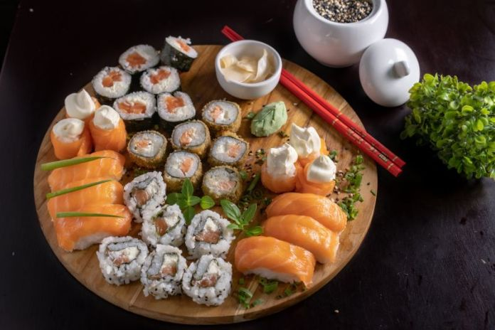 Cliomakeup-cheat-meal-5-sushi