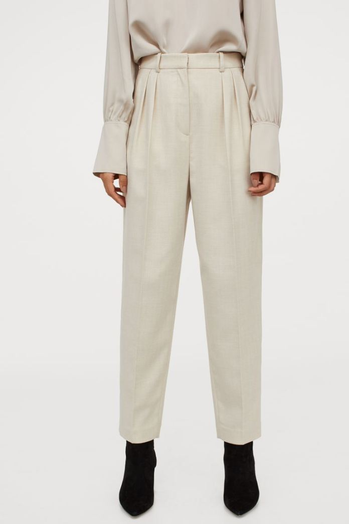 Cliomakeup-pantaloni-a-vita-alta-primavera-2021-hm-Pantaloni-eleganti-beige-chiaro