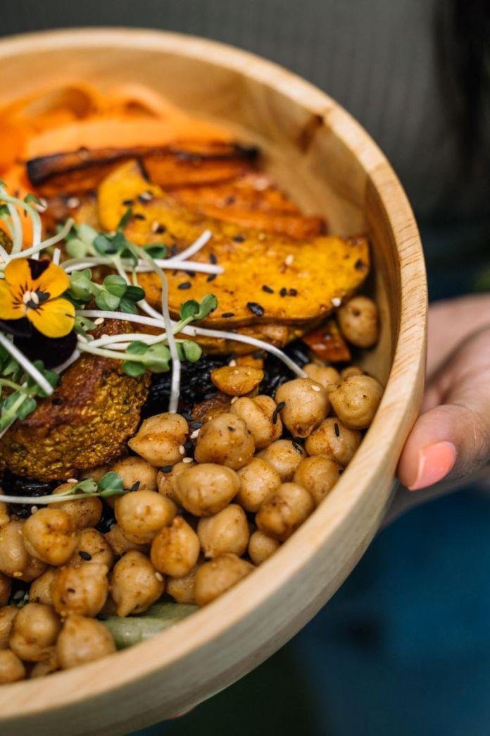 Cliomakeup-quanti-pasti-fare-al-giorno-12-bowl